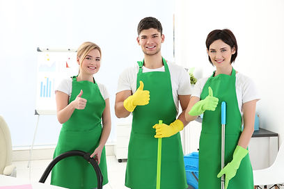 Service-team-home-cleaning-in-green-unif