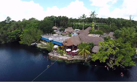 Cenote Azul Restaurante en Bacalar