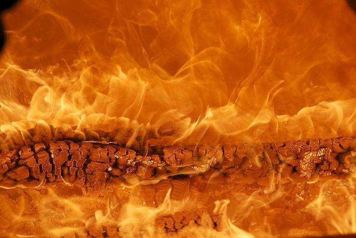 Feuer_von_adrian_schüpbach_auf_Pixabay