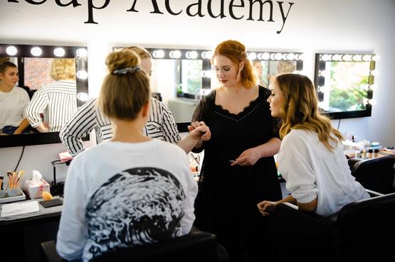 Make Up Artist Schule