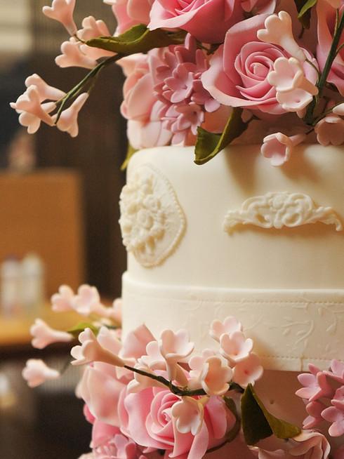 bolo de casamento flores rosas Simone Amaral detalhe Villa Bisutti