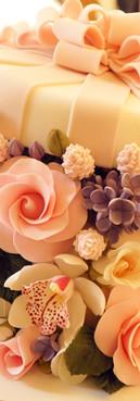 Bolo caixa de Flores Aniversário box cake de Simone Amaral