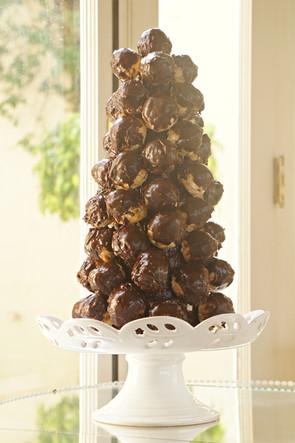 croquembouche de chocolate belga Simone Amaral