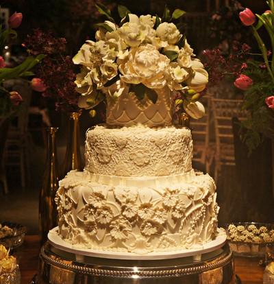 bolo de casamento Simone Amaal Jardim Leopolldina.JPG