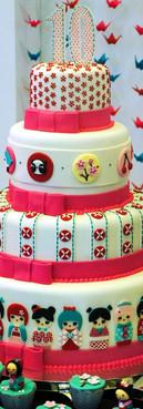 bolo de aniversário Kokeshis cake de Simone Amaral