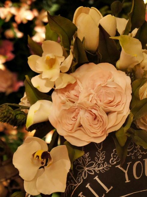 Bolo de 15 anos chalkboard cake bolo lousa de Simone Amaral topo de flores