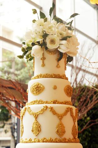 Bolo de Casamento Simone Amaral topo de flores de açúcar
