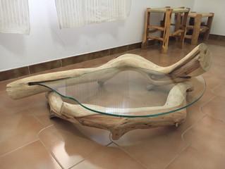 Tavolino in Legno di Ginepro e vetro