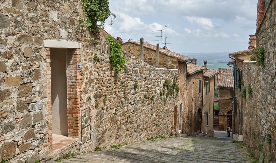 Ingresso via Costa Spagni 12