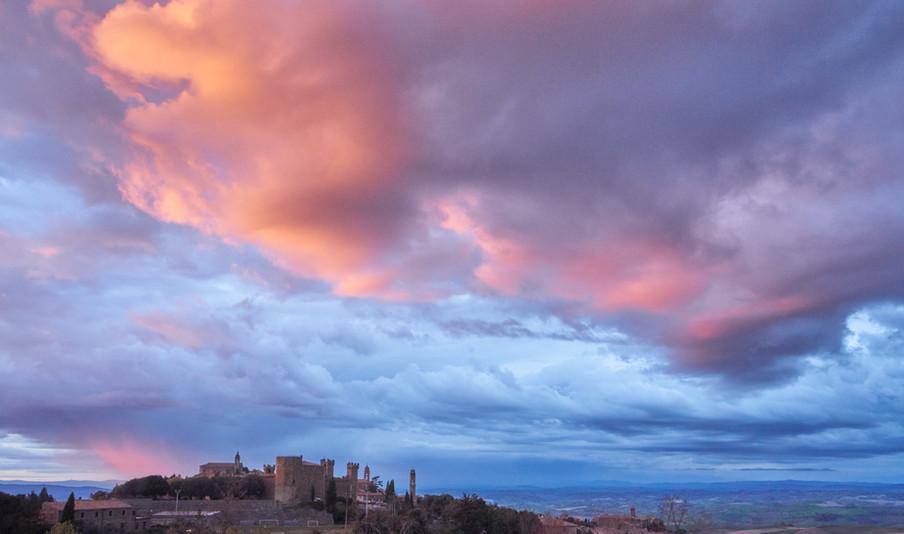Tramonto su Montalcino