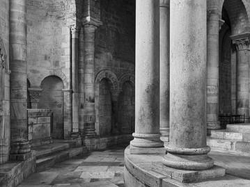 Columns, Sant Antimo