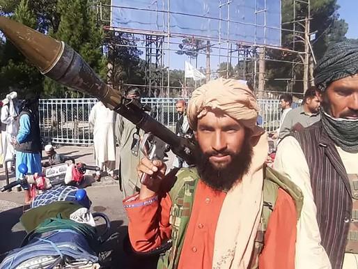 Aumenta a 95 la cifra de muertos tras doble atentado en el aeropuerto de Kabul