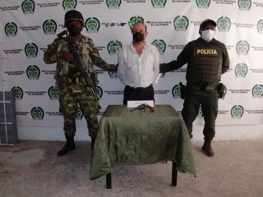 LA POLICÍA LOGRA LA CAPTURA DE 3 PERSONAS Y LA INCAUTO DE 4 ARMAS DE FUEGO EN EL TOLIMA