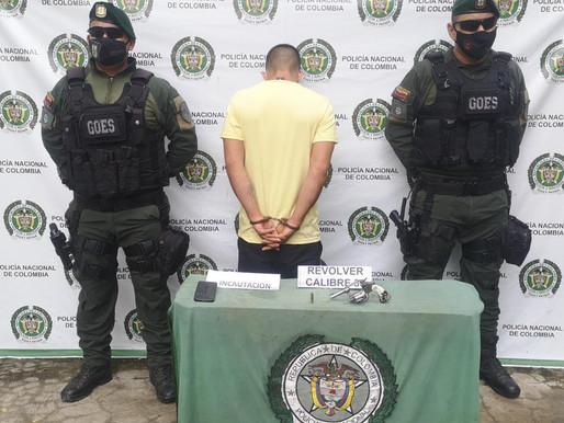 Capturados presuntos sicarios que pretendían asesinar una persona en el barrio Las Ferias