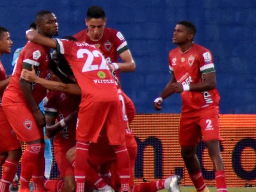 Carlos Mosquera, la figura en victoria de Patriotas ante Bucaramanga