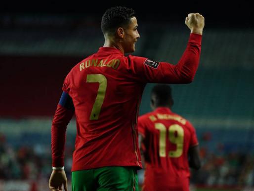 Triplete de Cristiano acerca a Portugal a Qatar 2022