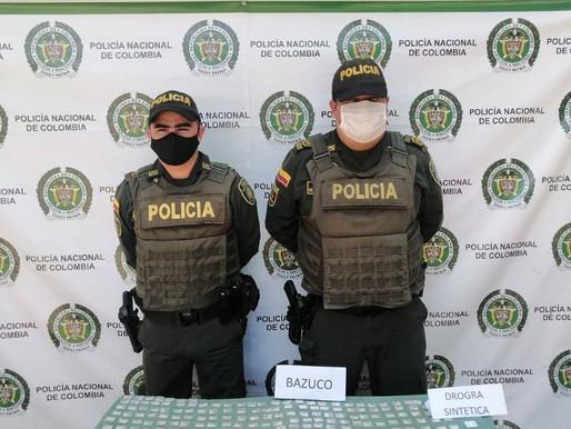 POLICÍA EN LA DORADA ENCONTRÓ BAZUCO Y PEPAS EN CANCHA DEL BARRIO LAS FERIAS