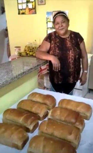 Dona Maria: artesã de pães em Coxim