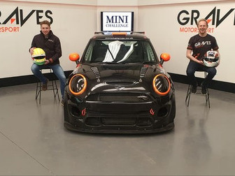 Coates continues MINI CHALLENGE with new team Graves Motorsport