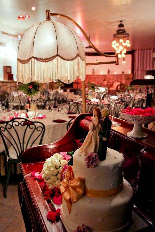 אולם קטן ואווירה בחתונה