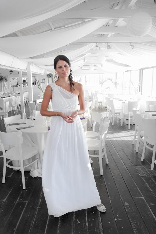 כלה באווירת  במתח קל לפני החתונה