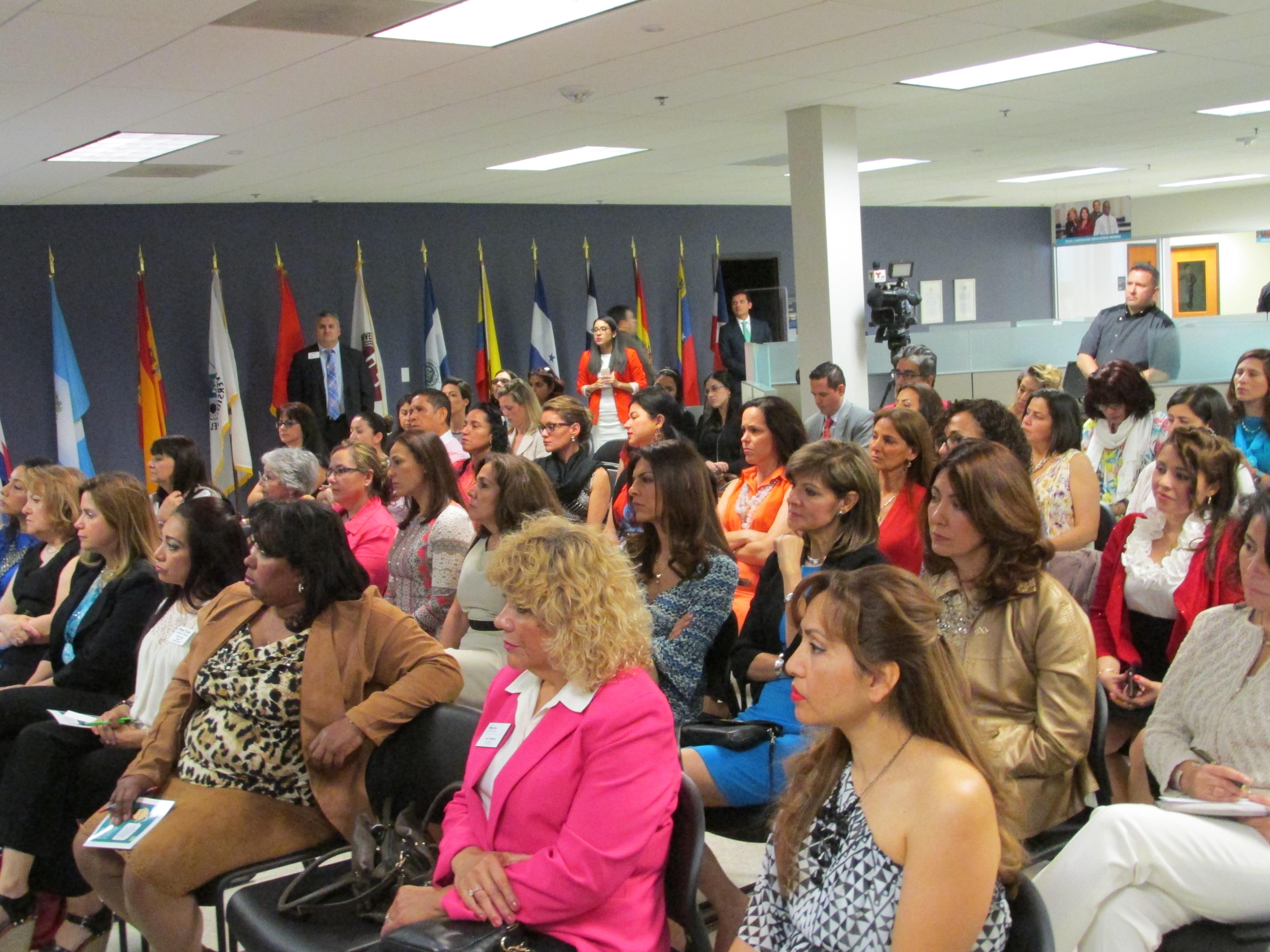 Conversatorio Mujeres Emprendedoras (52)