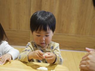 小麦粉粘土あそび😃💕 オレンジ組2歳児