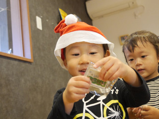 クリスマス🎄🎁 オレンジ組1歳児