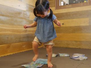 センサリーバッグ🐳 オレンジ組1歳児