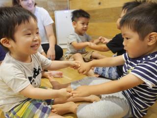 「リズム・わらべうたあそび🎶✨」 オレンジ組2歳児