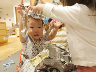 新聞遊び📰 オレンジ組1歳児