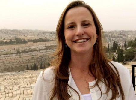 Saiu no LeiaJá: Brasileira que vive em Israel cria curso de hebraico EAD
