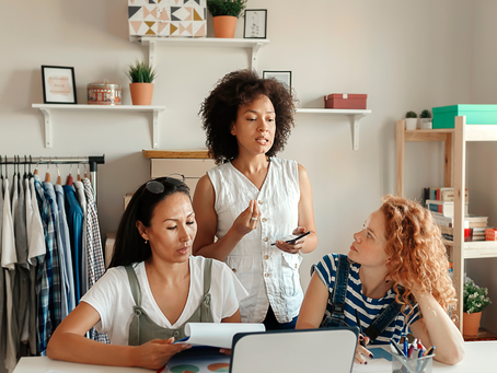How to Market Yourself Off and Online as a Female Entrepreneur