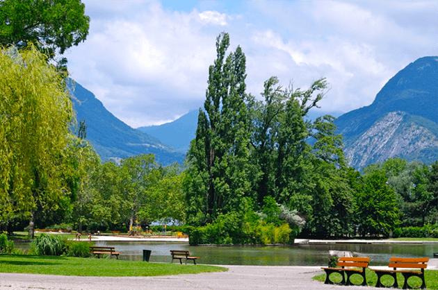 Où promener son chien à Grenoble I Dog Happiness I Grenoble