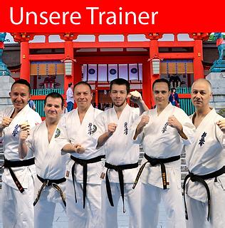 Sechs Karate Trainer warten darauf, dich zu trainieren.