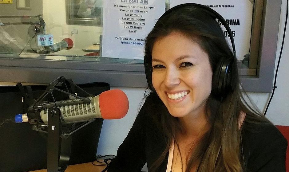 Leslie Reyes Radio Image 1.jpg