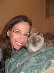 Dr. Inbar Razon with her cat