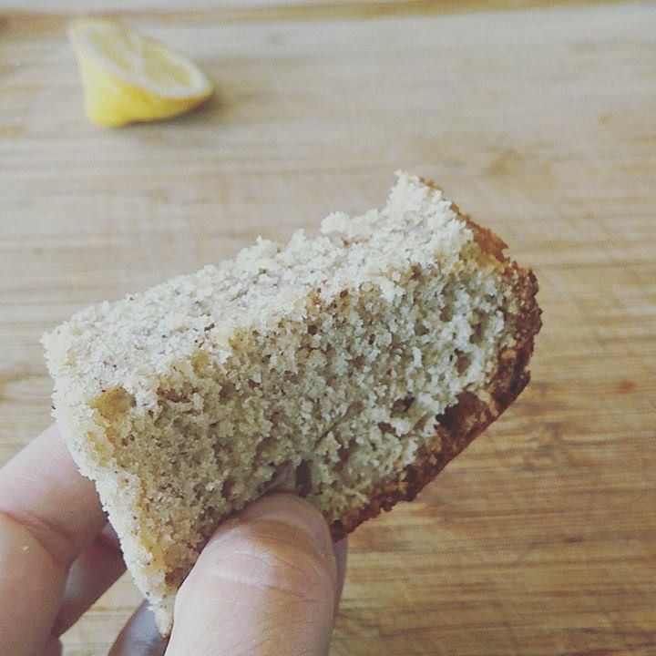 Cake noisettes Banane - Version classique & version  Vegan LE TIROIR AUX ESSENCES