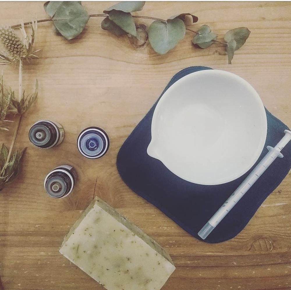 Sérum actif aromatique aux 3 huiles essentielles pour traiter l'acné sévère - Inès LE TIROIR AUX ESSENCES