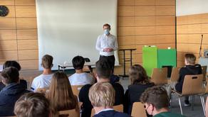 Seestern-Pauly besucht Gymnasium Bad Iburg am EU-Projekttag