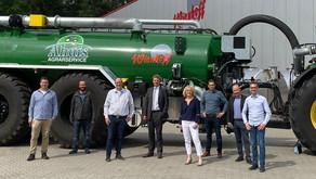 Wienhoff möchte wachsen - Jens Beeck (FDP) besucht Bawinkeler landwirtschaftlichen Maschinenbauer