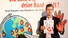 Seestern-Pauly setzt am Red Hand Day Zeichen gegen Kindersoldaten