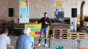 Gero Hocker und Jens Beeck (FDP) sprechen in Haselünne vor 50 Landwirten