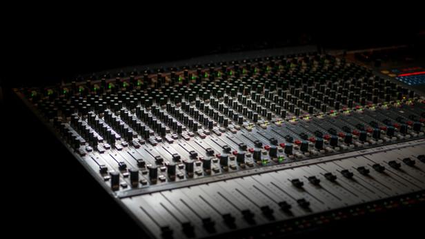 Professional recording studio and lessons