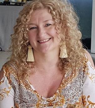 Cathy new pic_edited.jpg