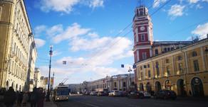 un tour panoramique à St. Pétersbourg, en bus ou à pied ?