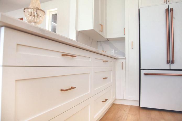 AD-kootlake_house_kitchen_cabinets1.jpg