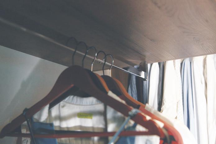 AD-kootlake_house_closet_hanger.jpg