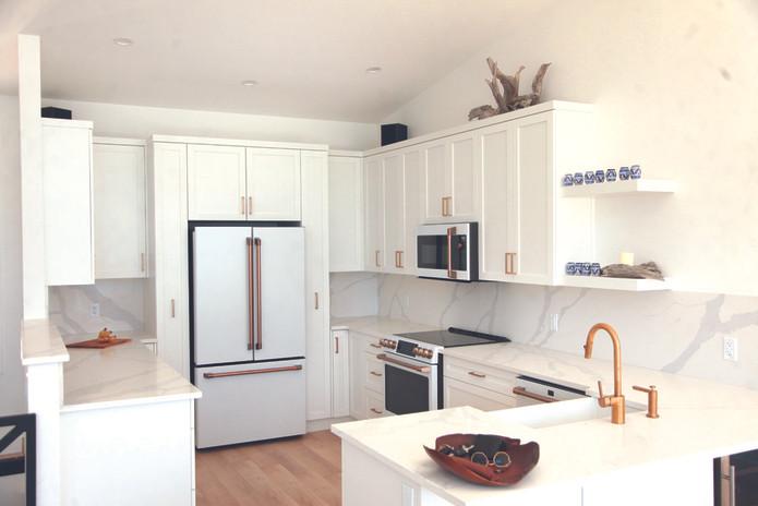 AD-kootlake_house_kitchen2.jpg