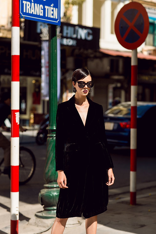 V-neck Long Sleeved Black Velvet Vest